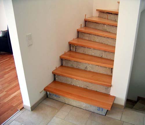 holzstufen auf betontreppe buche trittstufen ohne setzstufen. Black Bedroom Furniture Sets. Home Design Ideas